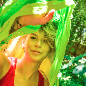 headshot of student artist, Isabel